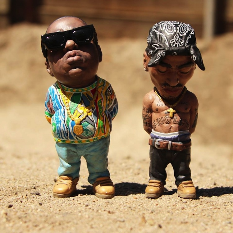 Custom_Hand_Painted_Sculptures_of_Tupac_and_Biggie_Smalls_by_Plastic_Cell_2014_01