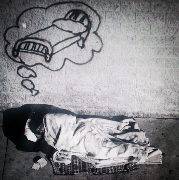 LA_Graffiti_Artist_Skidrobot_Humanizes_Homeless_People_By_Painting_Their_Dreams_2014_01