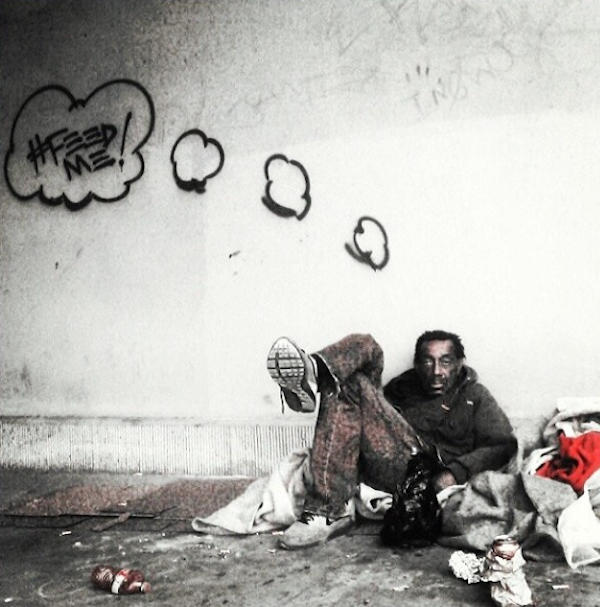 LA_Graffiti_Artist_Skidrobot_Humanizes_Homeless_People_By_Painting_Their_Dreams_2014_05