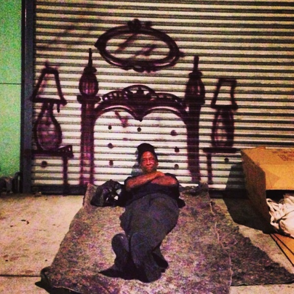 LA_Graffiti_Artist_Skidrobot_Humanizes_Homeless_People_By_Painting_Their_Dreams_2014_06