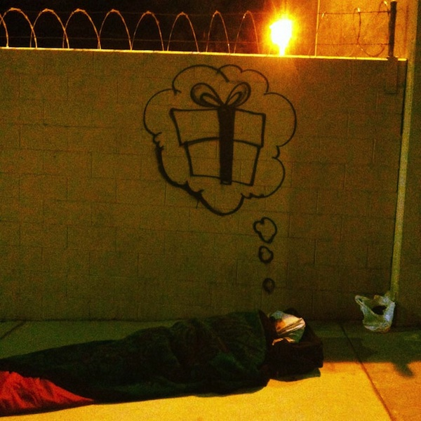 LA_Graffiti_Artist_Skidrobot_Humanizes_Homeless_People_By_Painting_Their_Dreams_2014_09