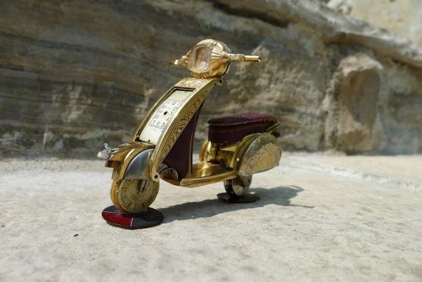Model_Motorbikes_Made_Entirely_From_Discarded_Watch_Parts_2014_04