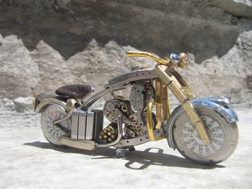 Model_Motorbikes_Made_Entirely_From_Discarded_Watch_Parts_2014_06