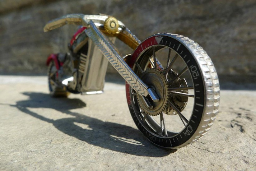 Model_Motorbikes_Made_Entirely_From_Discarded_Watch_Parts_2014_10