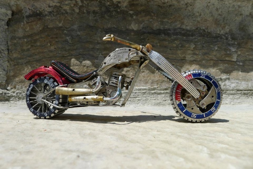 Model_Motorbikes_Made_Entirely_From_Discarded_Watch_Parts_2014_11