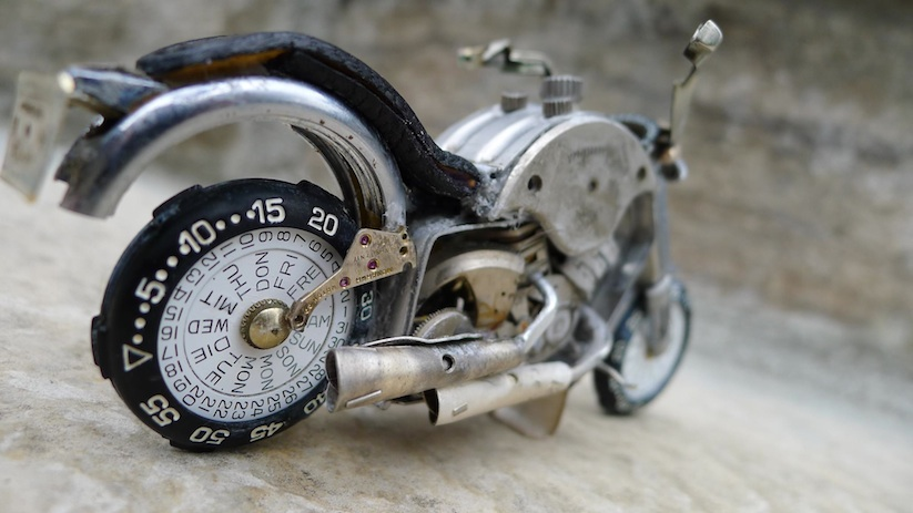 Model_Motorbikes_Made_Entirely_From_Discarded_Watch_Parts_2014_13