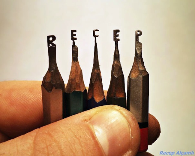 Tiny_Sculptures_Carved_Into_Pencil_Tips_by_Recep_Alcamli_2014_10
