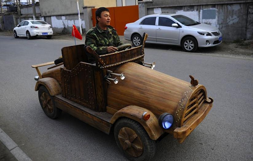 An_Electronic_Wooden_Car_Homemade_by_Carpenter_Liu_Fulong_in_China_2014_10