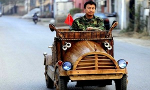 An_Electronic_Wooden_Car_Homemade_by_Carpenter_Liu_Fulong_in_China_2014_header