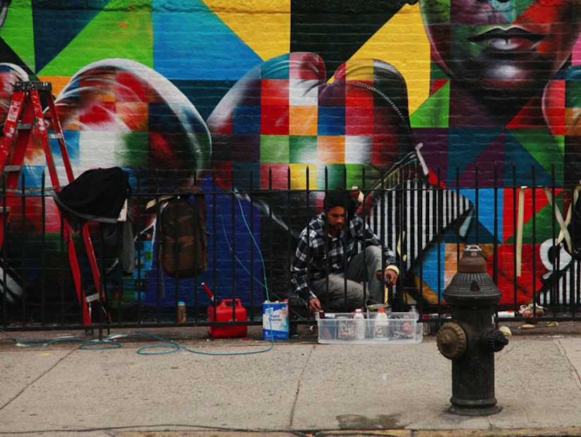 Colorful_Mural_of_Basquiat_and_Andy_Warhol_by_Eduardo_Kobra_in_Brooklyn_NYC_2014_05