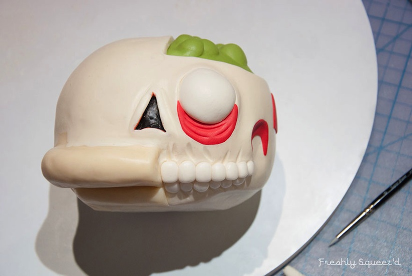 Cutout_Ralph_Ralph_Wiggum_From_The_Simpsons_Turned_Into_A_Creepy_Cake_2014_06