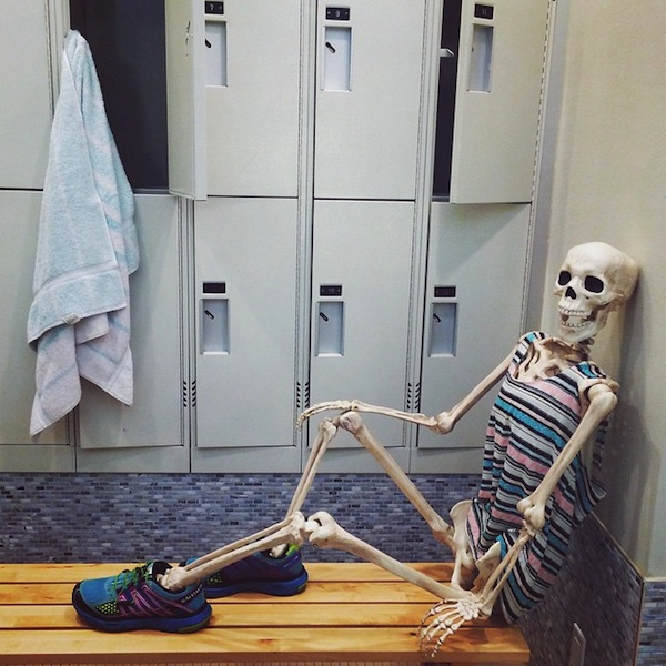 Meet_Skellie_A_Skeleton_Who_Is_Basically_Any_Girl_On_Instagram_2015_11