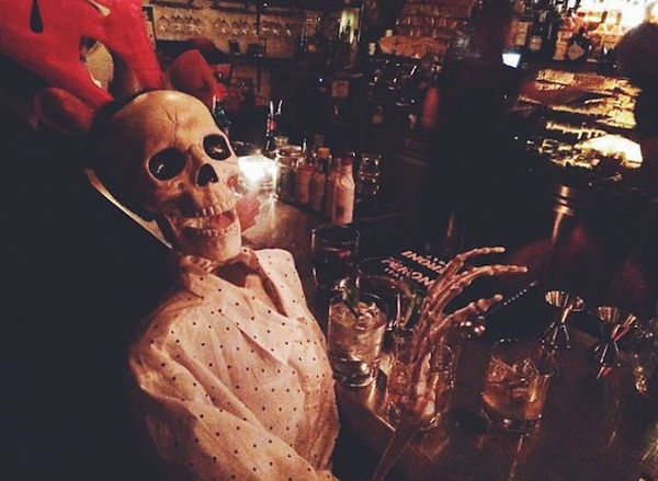 Meet_Skellie_A_Skeleton_Who_Is_Basically_Any_Girl_On_Instagram_2015_13