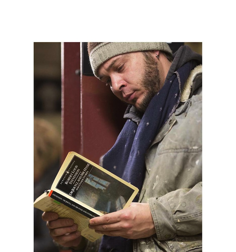 The_Last_Book_Photographer_Docmuments_What_People_Are_Reading_on_the_NYC_Subway_2015_06