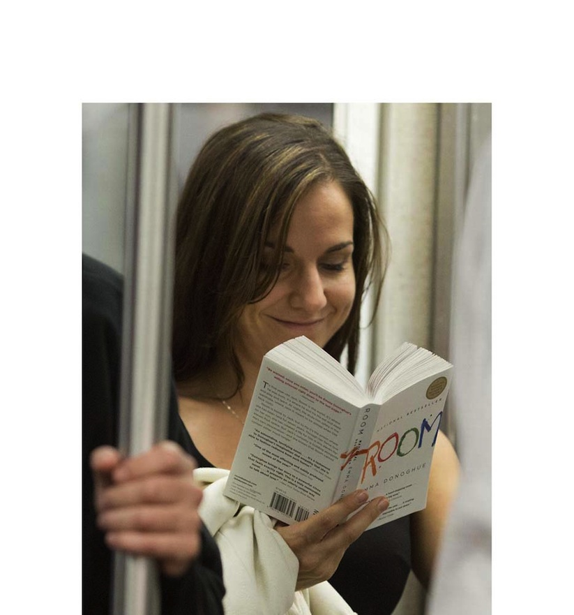 The_Last_Book_Photographer_Docmuments_What_People_Are_Reading_on_the_NYC_Subway_2015_07