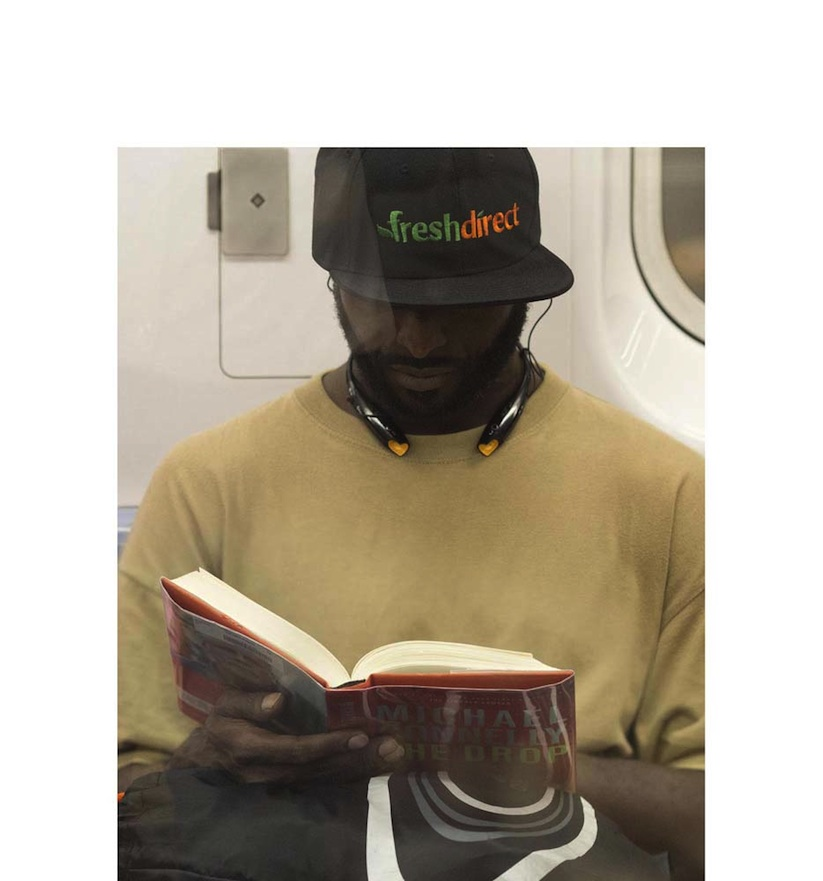 The_Last_Book_Photographer_Docmuments_What_People_Are_Reading_on_the_NYC_Subway_2015_09