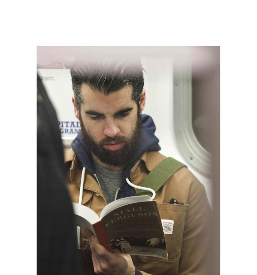 The_Last_Book_Photographer_Docmuments_What_People_Are_Reading_on_the_NYC_Subway_2015_10