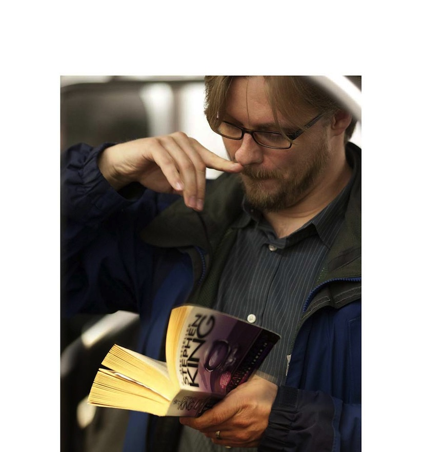 The_Last_Book_Photographer_Docmuments_What_People_Are_Reading_on_the_NYC_Subway_2015_12