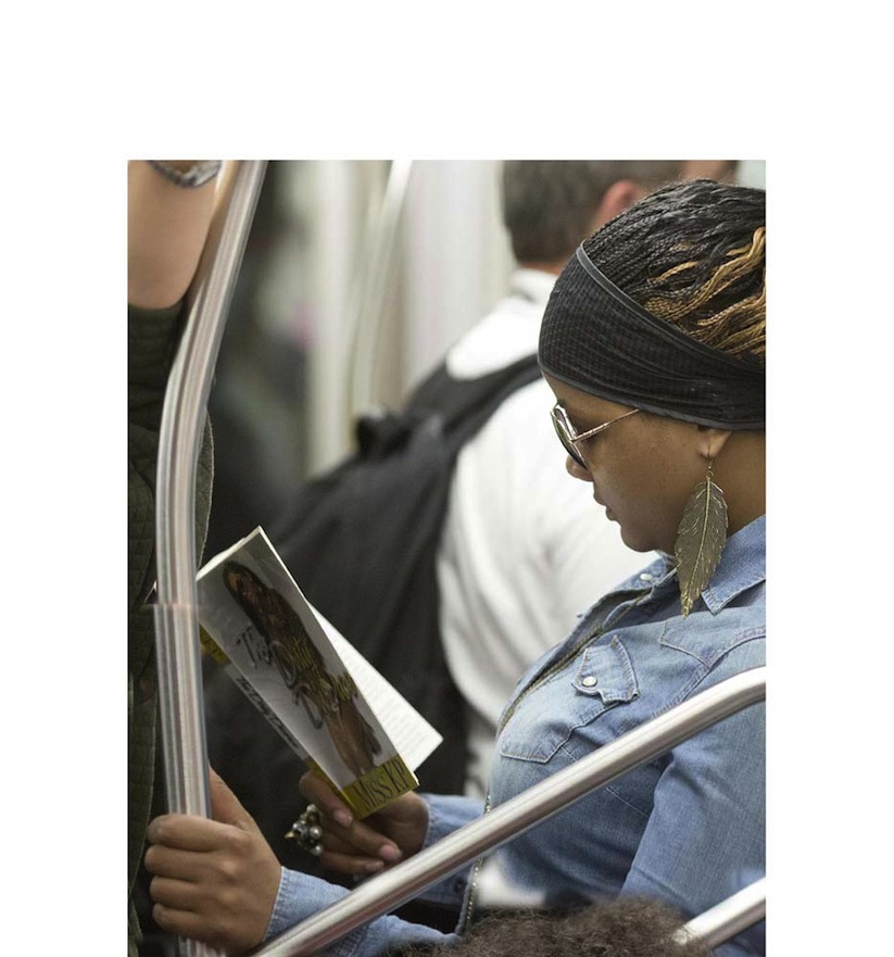 The_Last_Book_Photographer_Docmuments_What_People_Are_Reading_on_the_NYC_Subway_2015_13
