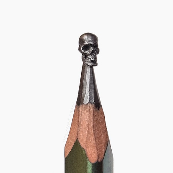 Miniature_Carved_Into_Pencil_Tips_by_Russian_Artist_Salavat_Fidai_2015_13