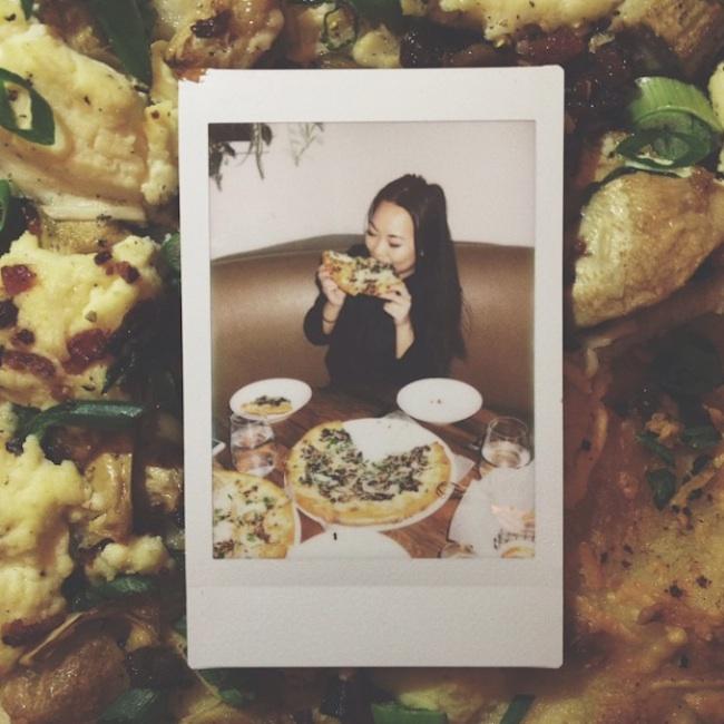 Hot_Girls_Eating_Pizza_2015_15