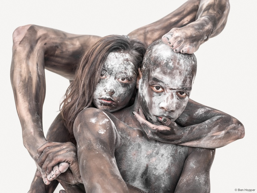 Transfiguration_Circus_Artists_and_Dancers_Transformed_Into_Abstract_Living_Sculptures_2015_01