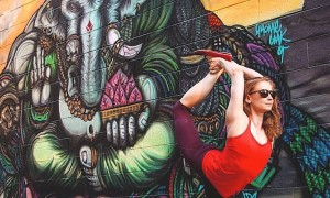 Gracefull_Poses_and_Street_Art_by_Chicago_based_Yoga_Instructor_Soren_Buchanan_2015_header