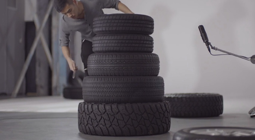 Musician_Andrew_Huang_Created_a_Rhythmic_Musical_Composition_from_Car_Wheels_and_Tires_2015_03