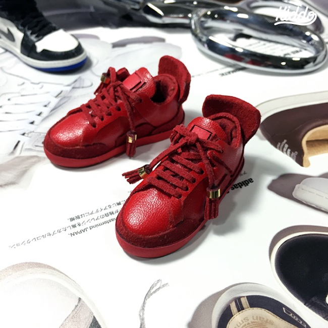 Incredibly_Detailed_Miniature_Sculptures_Famous_Sneakers_by_Toy_Designer_Kiddo_2015_07