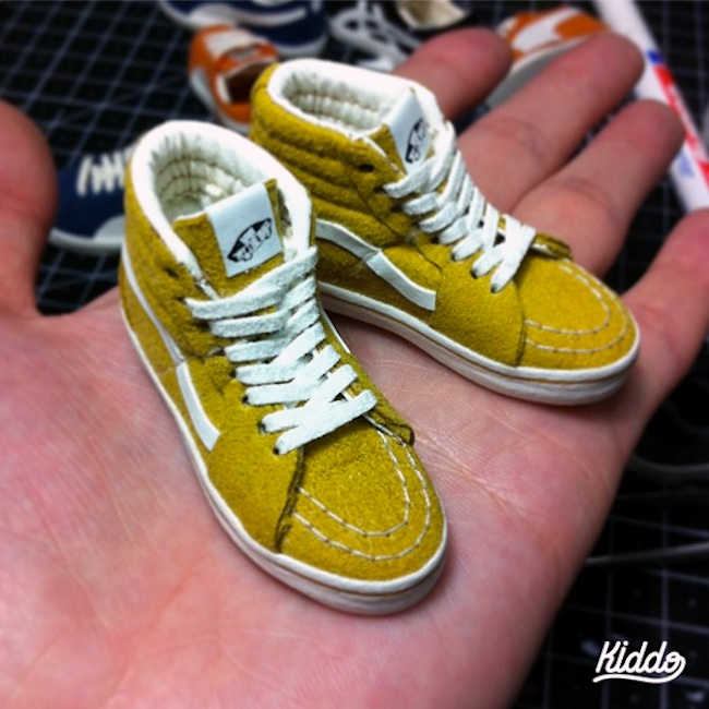 Incredibly_Detailed_Miniature_Sculptures_Famous_Sneakers_by_Toy_Designer_Kiddo_2015_09