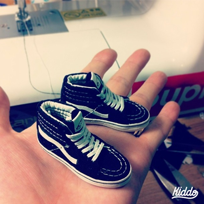 Incredibly_Detailed_Miniature_Sculptures_Famous_Sneakers_by_Toy_Designer_Kiddo_2015_11