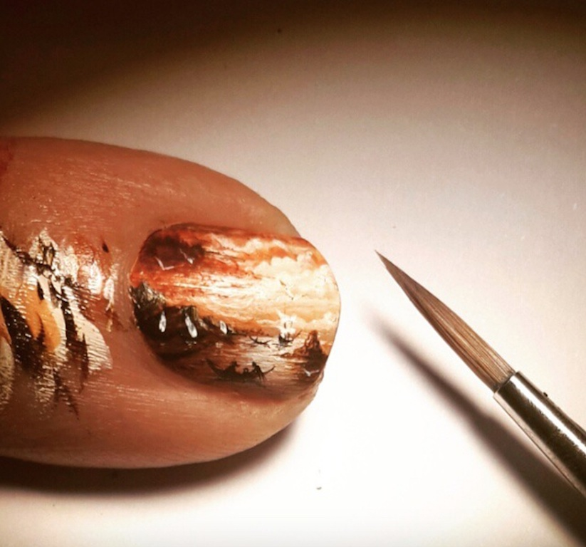 New_Stunning_Paintings_Made_On_Incredibly_Tiny_Surfaces_by_Turkish_Artist_Hasan_Kale_2015_11