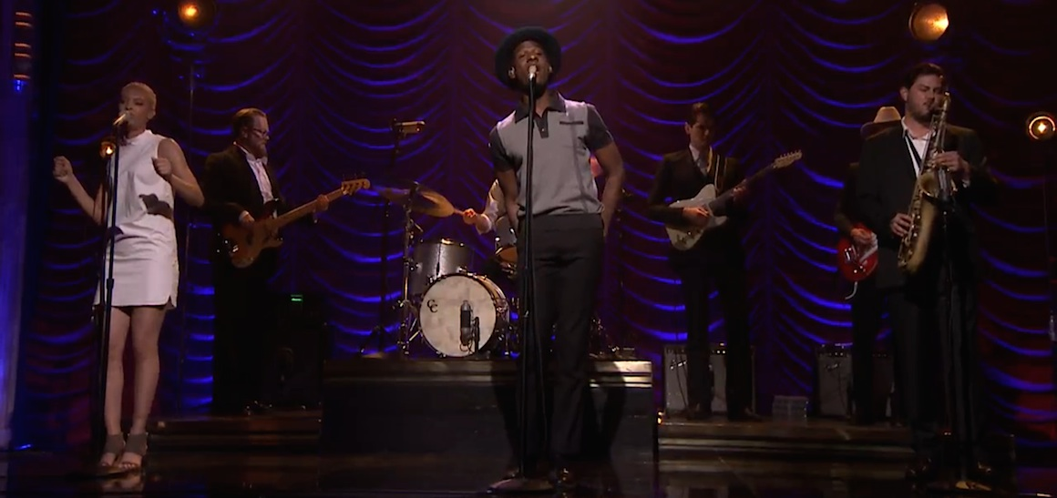 leon_bridges_roundup_20150623
