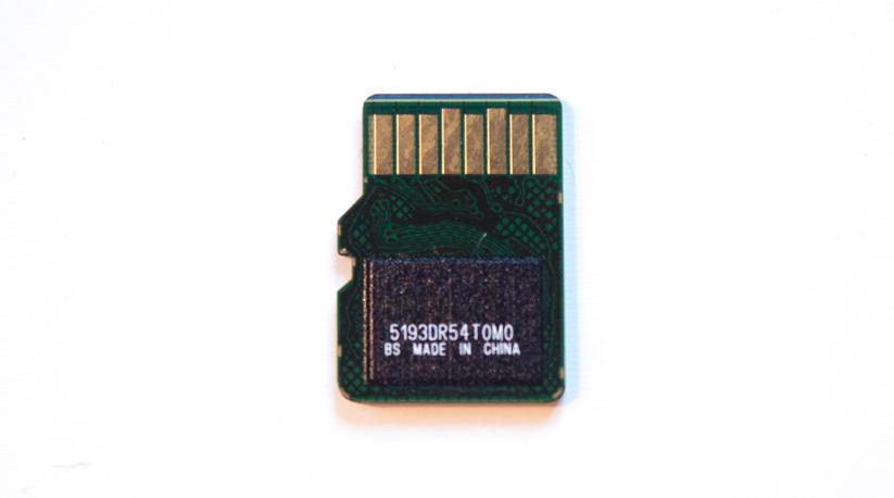 200gb-SanDisk-microSD-Card-Ultra-03