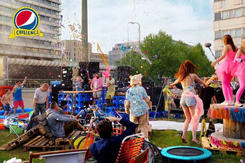 Pepsi_Challenge_MC_Fitti_verwandelt_Berlin_in_Fitti_Island_2015_02