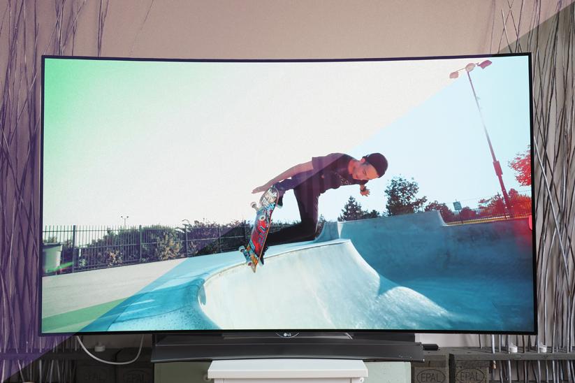 LG-65EG960V-4K-OLED-3D-TV-02