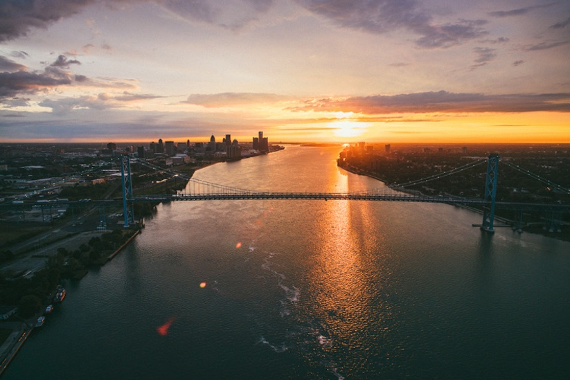 Air_Born_Detroit_Capturing_From_Above_by_Van_Styles_2015_01