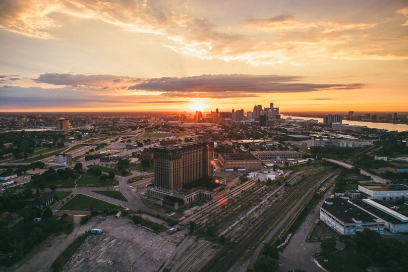 Air_Born_Detroit_Capturing_From_Above_by_Van_Styles_2015_02