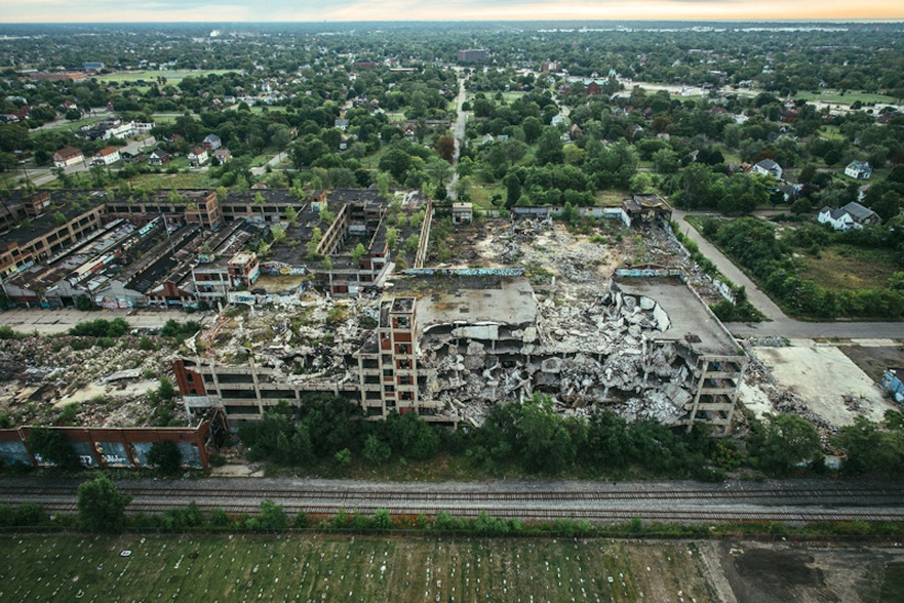 Air_Born_Detroit_Capturing_From_Above_by_Van_Styles_2015_10