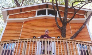 Jay_Hewitt_Builds_an_Epic_Backyard_Treehouse_in_Attleboro_Massachusetts_2015_header