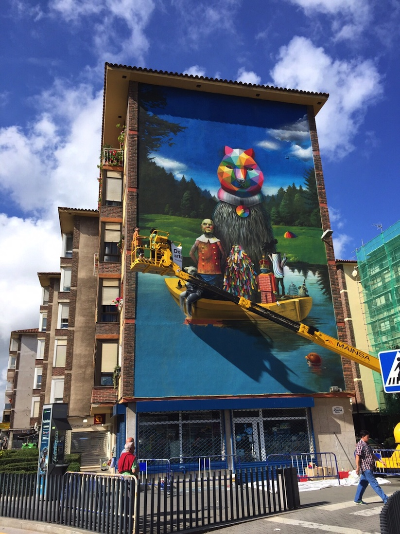 Okuda_Serzo_Collaborate_on_a_Large_Mural_in_Santander_Spain_2015_08
