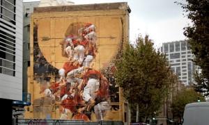 FER_LLENYA_A_New_Large_Scale_Mural_by_Street_Artist_Borondo_in_Barcelona_Spain_2015_header