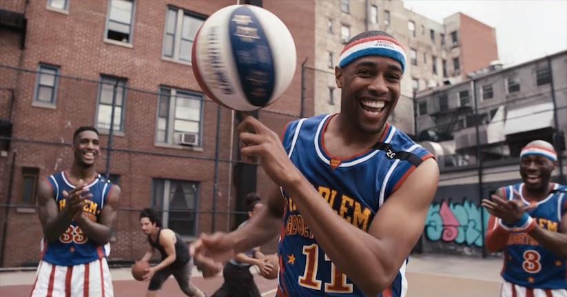 Harlem_Globetrotters_vs_STOMP_Percussionists_2015_01