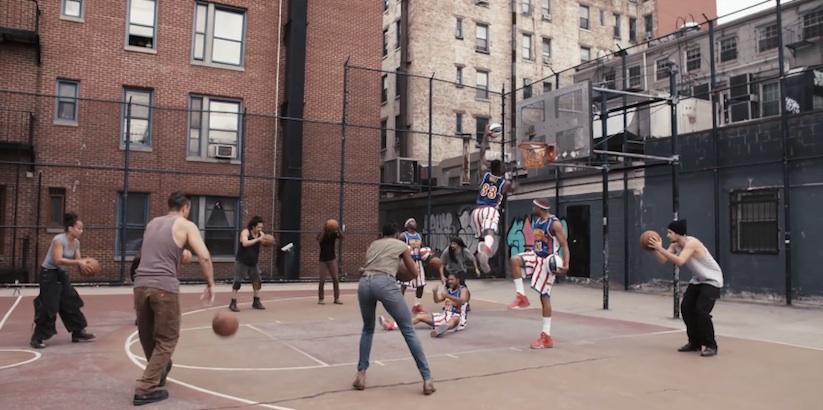 Harlem_Globetrotters_vs_STOMP_Percussionists_2015_03
