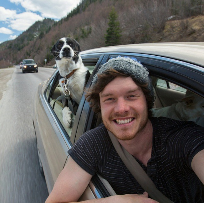 Allan_Dixon_Takes_Brilliant_Selfies_with_All_Kinds_of_Animals_2015_10