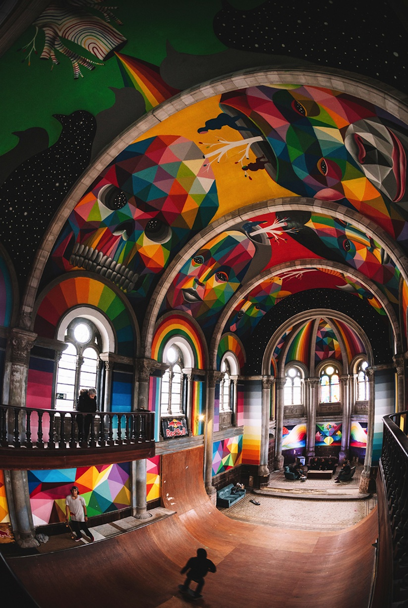 Kaos_Temple_Church_in_Spain_Transformed_into_Skate_Park_Covered_in_Murals_by_Street_Artist_Okuda_2015_03