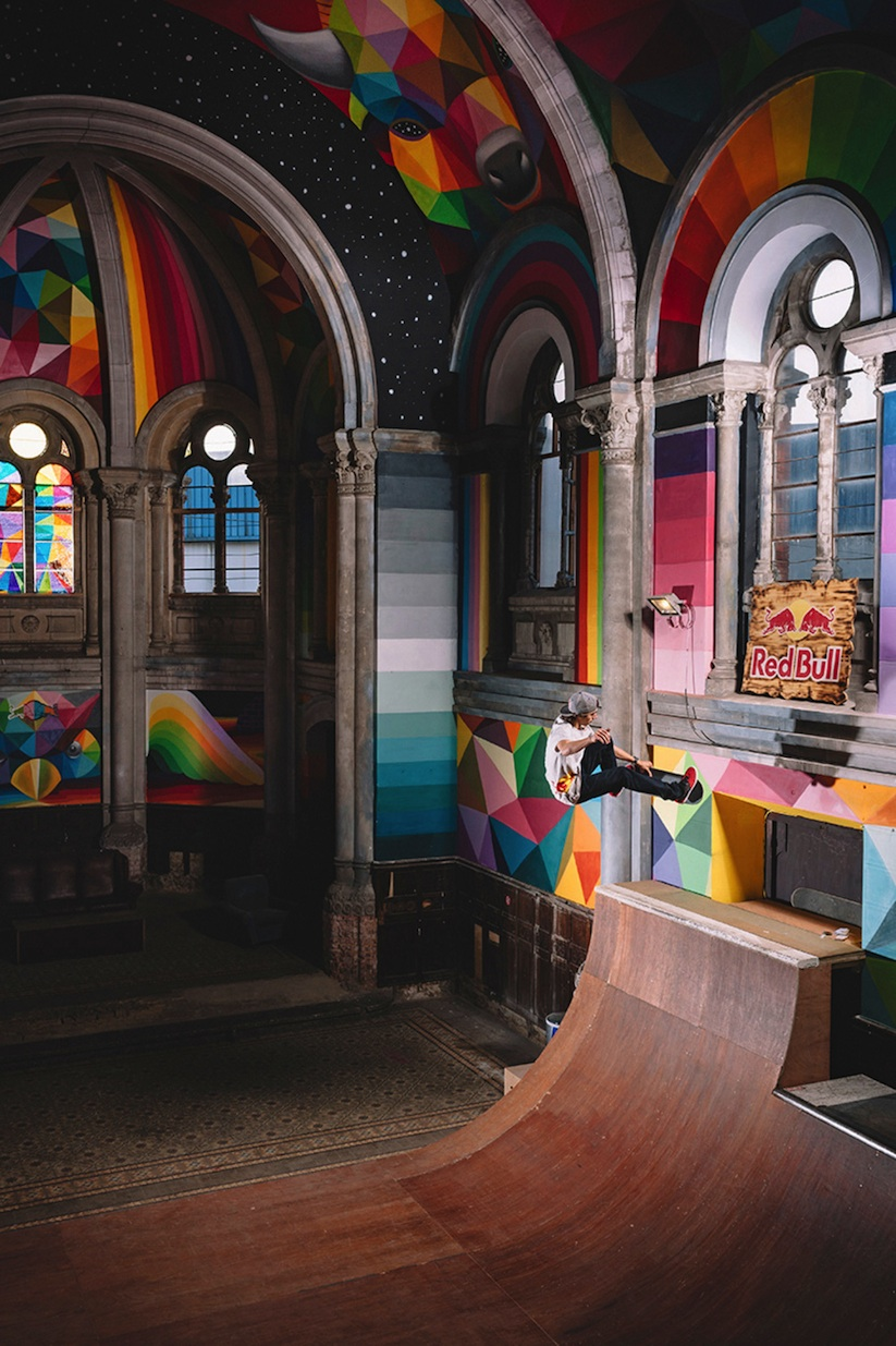 Kaos_Temple_Church_in_Spain_Transformed_into_Skate_Park_Covered_in_Murals_by_Street_Artist_Okuda_2015_04