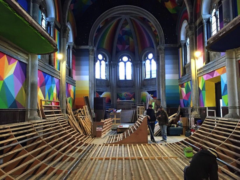 Kaos_Temple_Church_in_Spain_Transformed_into_Skate_Park_Covered_in_Murals_by_Street_Artist_Okuda_2015_08