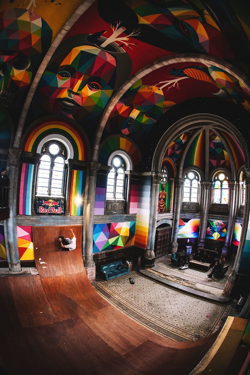 Kaos_Temple_Church_in_Spain_Transformed_into_Skate_Park_Covered_in_Murals_by_Street_Artist_Okuda_2015_09