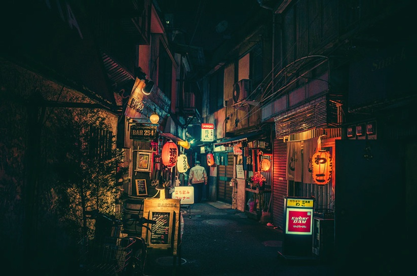 Adorabl_Street_Photography_of_Tokyo_by_Night_from_Masashi_Wakui_2016_03
